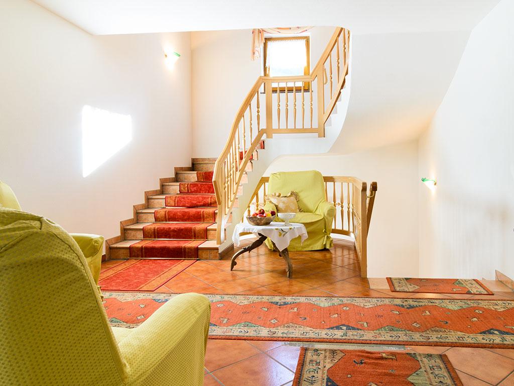 Hotel-Pfandleralm-Treppenhaus